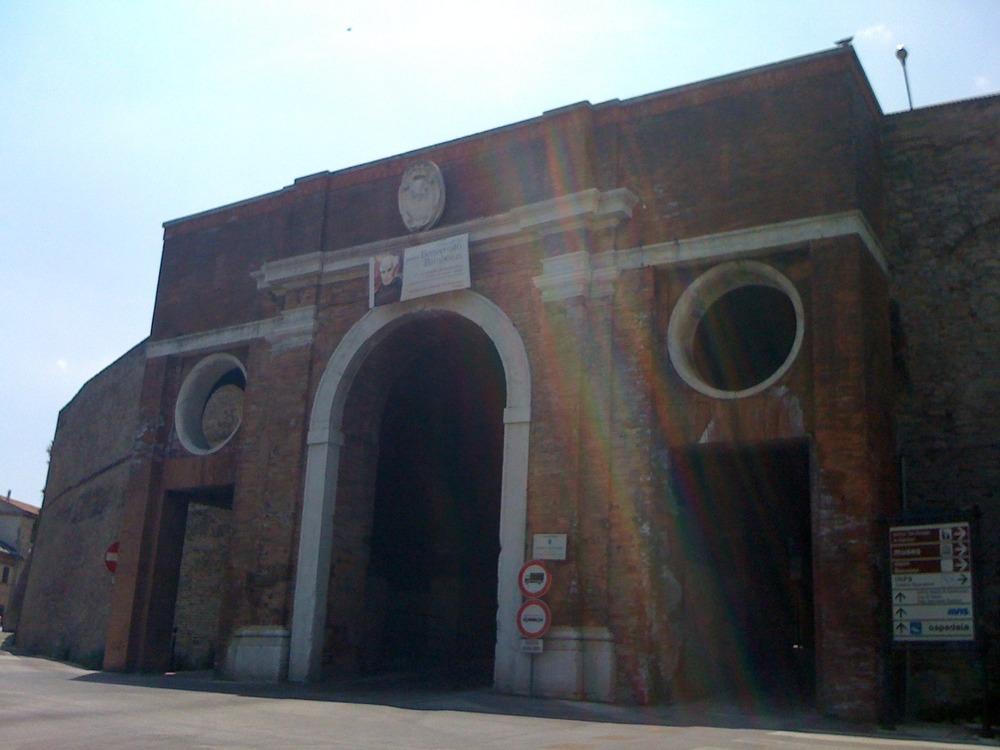 Osimo, old town port